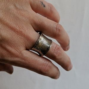 Thick etched silver ring adjustable